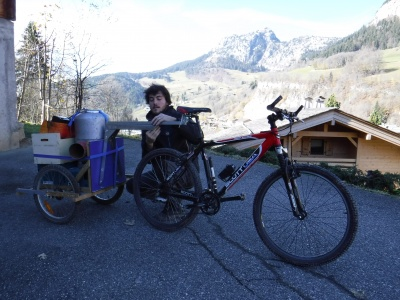 Remorque_à_vélo_deux_roues_DSCF1110.JPG